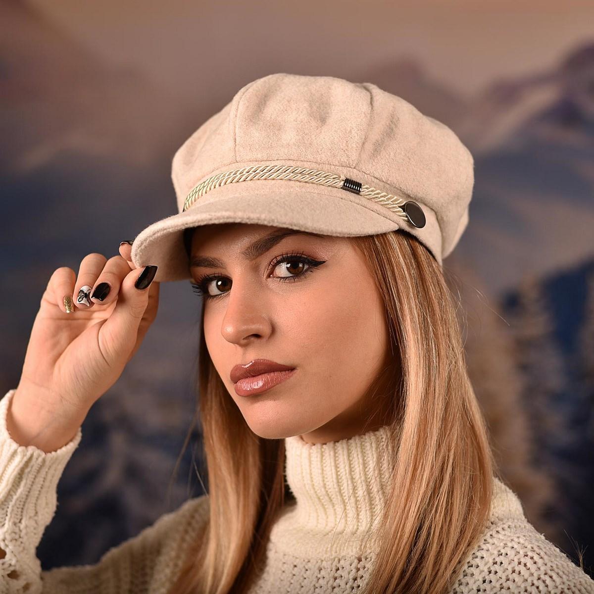 Дамска Зимна Барета Eкрю