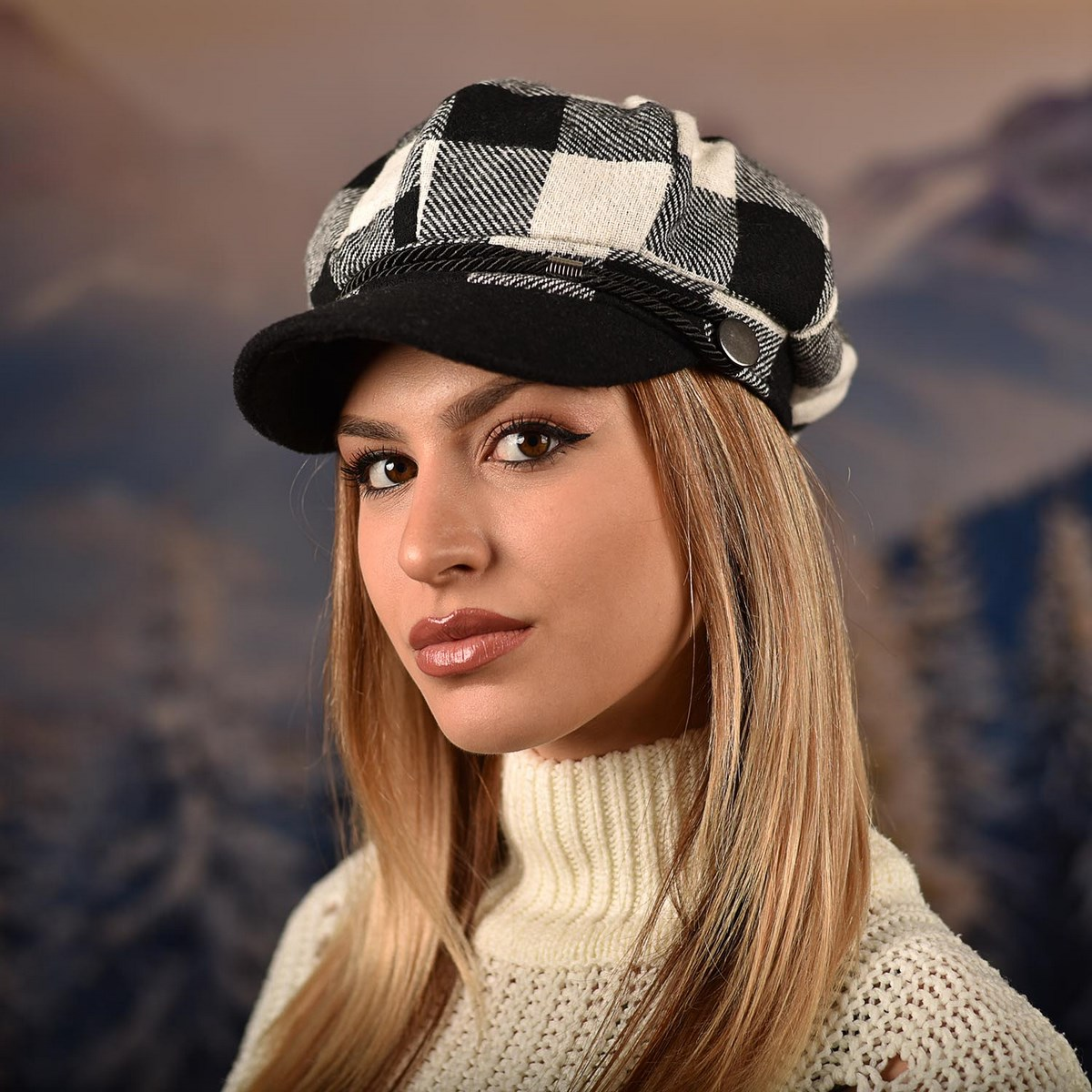 Дамска Зимна Барета Черно и бяло