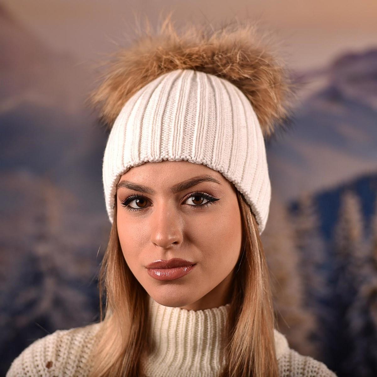 Дамска Зимна Бяла шапка с два естествени помпона