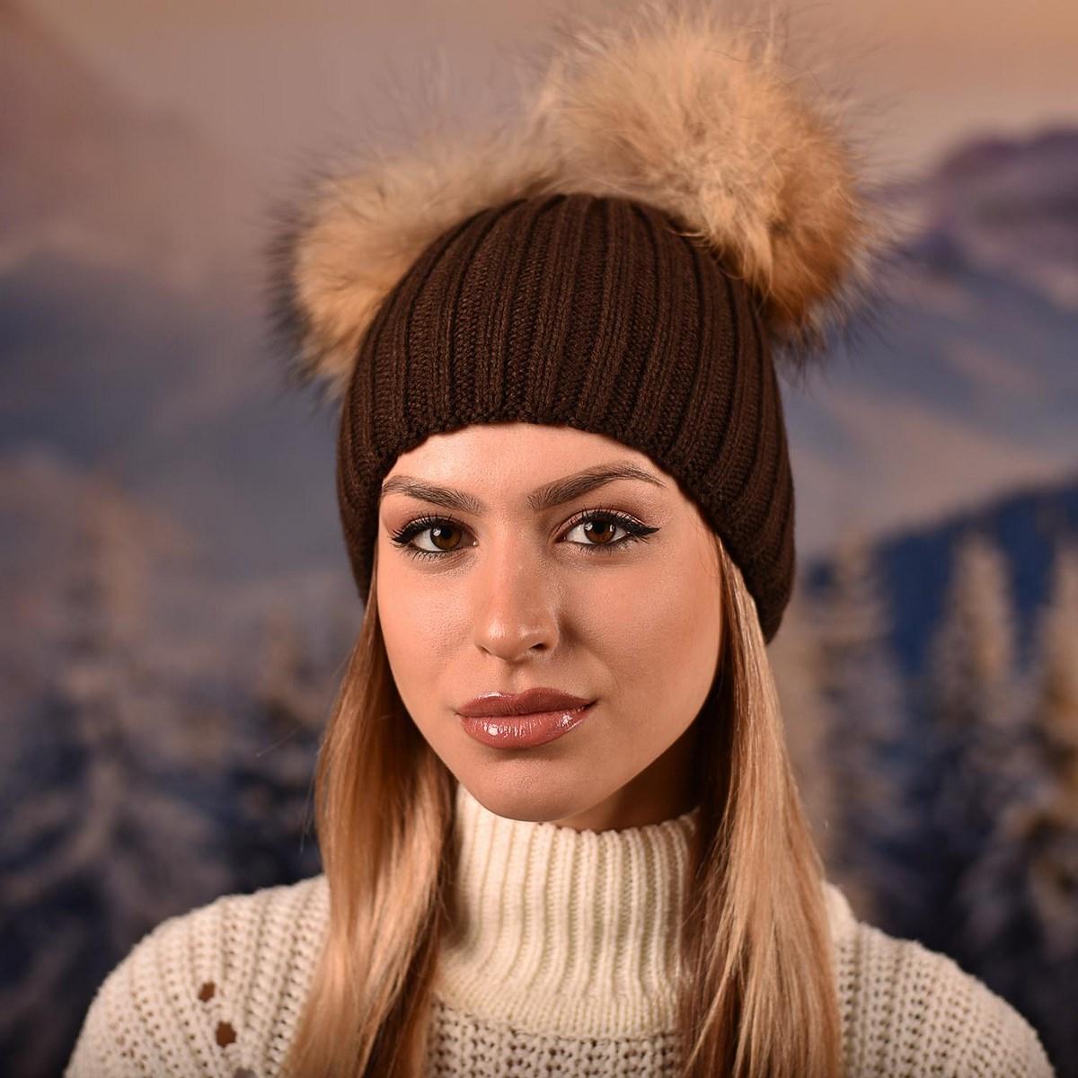 Дамска Зимна Кафява шапка с два естествени помпона