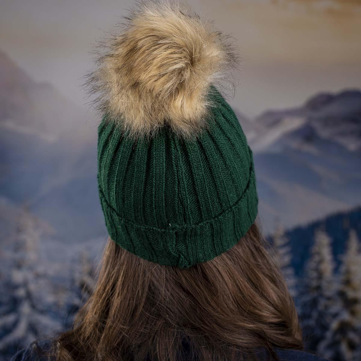 Дамска Зелена Зимна Плетена Шапка