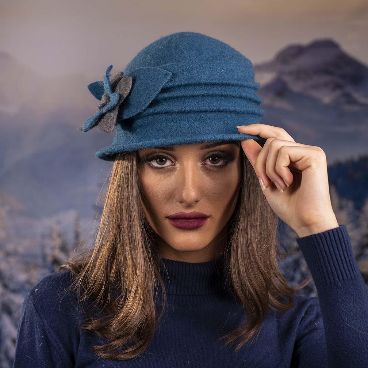 Синя Дамска Шапка Малка Периферия