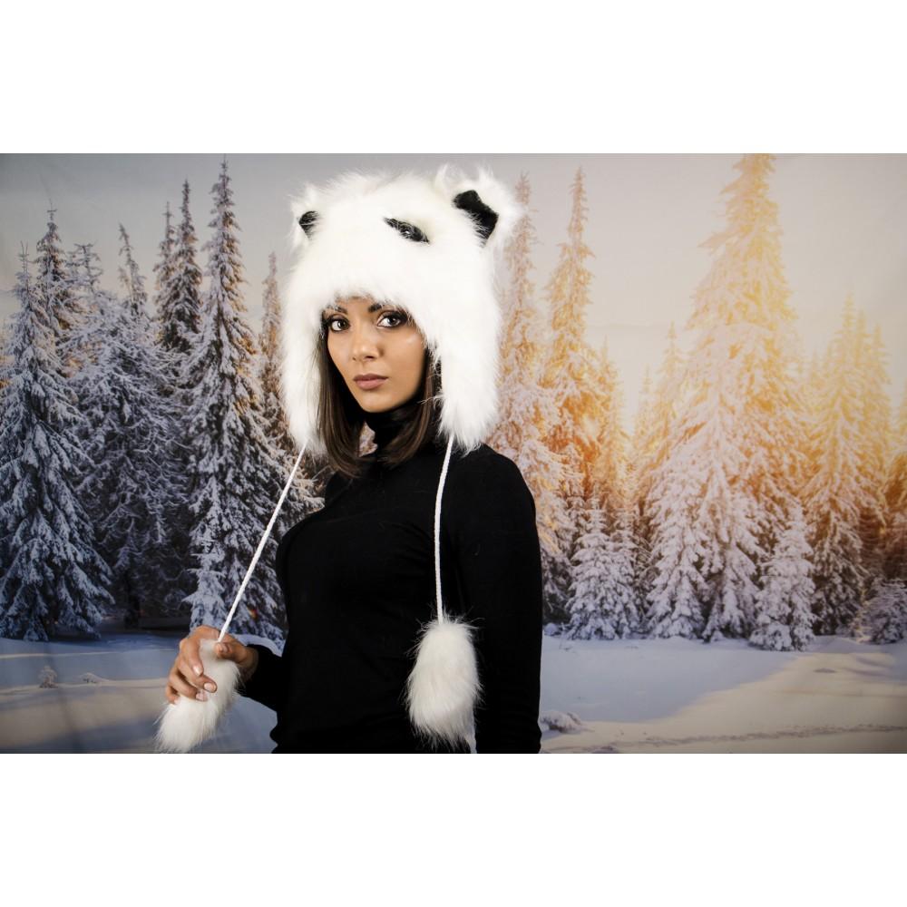 Бяла Зимна Шапка Анимал с Очички
