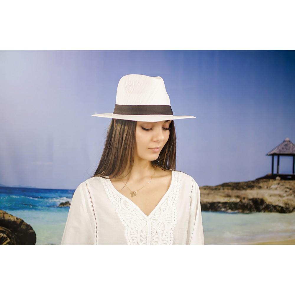 Лятна Бяла Дамска Капела с Декоративна Лента в Черно