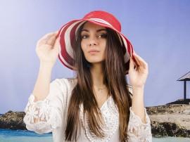 Най-модерните летни дамски шапки
