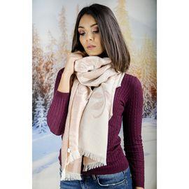 Как да ползваме зимния шал, като аксесоар!