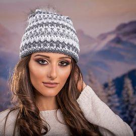Дамска Зимна Шапка с Еко Пух