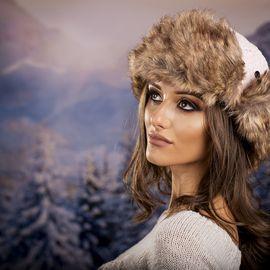 Дамска Зимна Ушанка в Бледо Розово