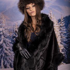 Дамска Зимна Пелерина в Черно