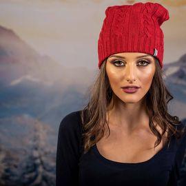 Червена Плетена Дамска шапка