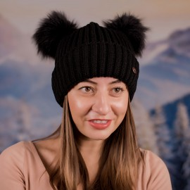 Дамска Зимна Черна шапка с два помпона
