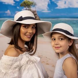 Бяла Дамска и Детска Капела Комплект