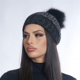 Дамска зимна плетена шапка
