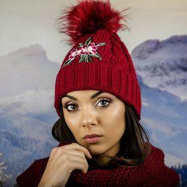 Дамска Зимна Шапка с Емблема Цвете Бордо