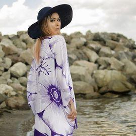 Плажна Туника в Бяло и Лилаво на Цветя
