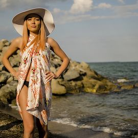 Плажен Шал с Костенурки в Бяло и Оранжево