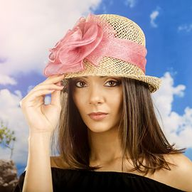 Бутикова Дамска Капела с Панделка Цвят Корал