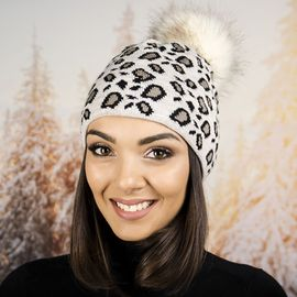 Дамска Зимна Шапка с Еко Пух в Леопардов Дизайн