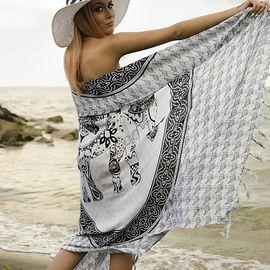 Плажен Шал в Бяло и Черно със Слонче
