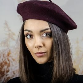 Дамска Зимна Барета Тъмно Бордо
