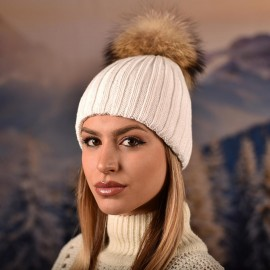 Дамска Зимна Бяла шапка с естествен помпон
