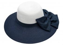 Дамска Капела в Бяло и синя периферия