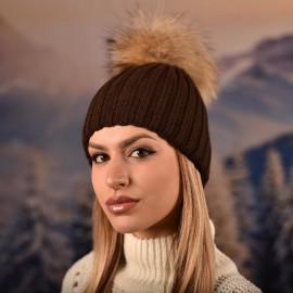 Дамска Зимна Кафява шапка с естествен помпон